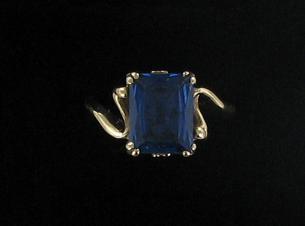Blue Stone Lady's Stone Ring 10K Yellow Gold 2dwt