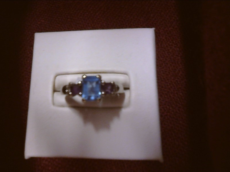 Blue Topaz Lady's Stone Ring 14K Yellow Gold 2.04dwt