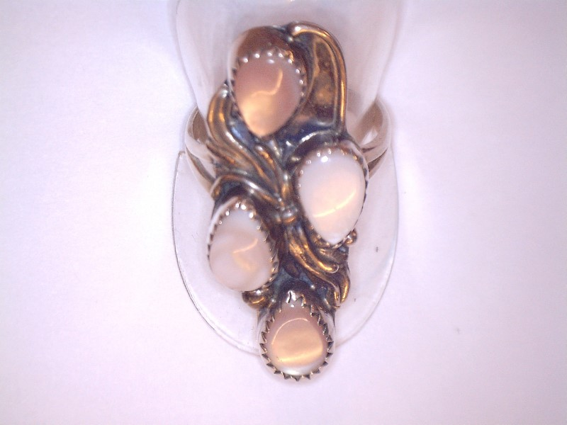 Mother Of Pearl Lady's Silver & Stone Ring 925 Silver 3.29dwt Size:7