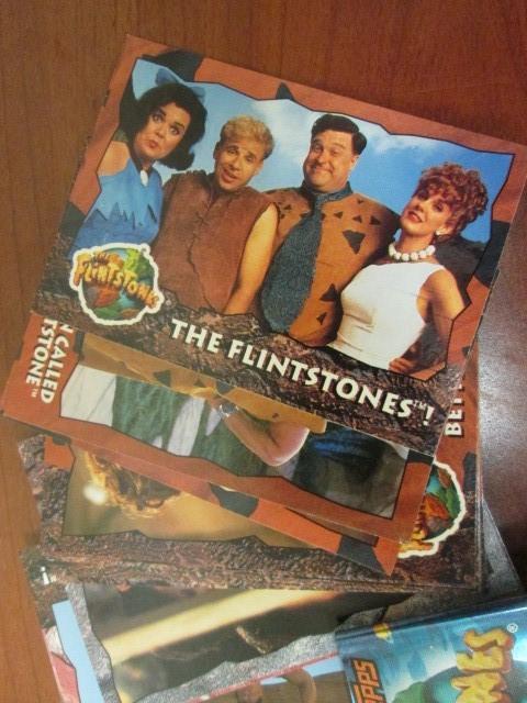 88 1993 TOPPS FLINSTONES CARD SET PLUS 11 CARD STICKER SET.  THIS IS IN VERY GOO