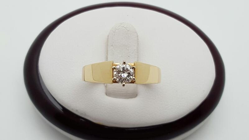 Lady's Diamond Solitaire Ring .45 CT. 14K Yellow Gold 4.6g Size:7.5
