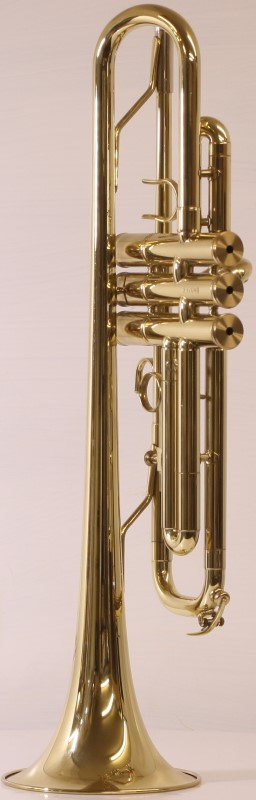 EM Winston 475LTH Preferred Series Bb Student Trumpet, 2 Mouthpieces, Case, Book