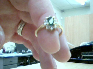 Green Stone Lady's Stone Ring 10K Yellow Gold 2.5g Size:7