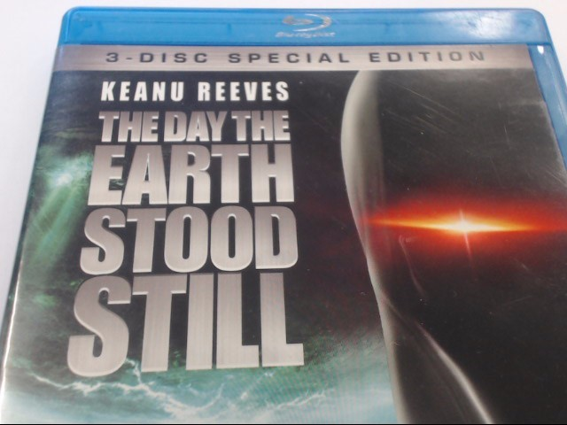 THE DAY THE EARTH STOOD STILL - BLU-RAY MOVIE