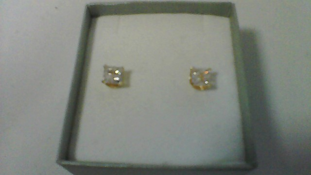 lady's 10k yellow gold princess cut cz illusion stud earrings