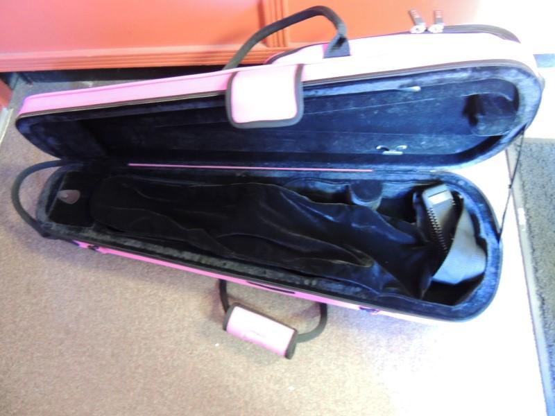 Protec MAX Student 4/4 Violin Case Fuschia
