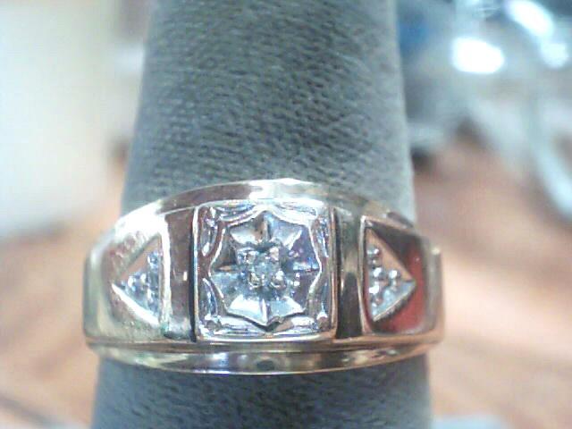 Gent's Diamond Fashion Ring .01 CT. 10K Yellow Gold 2.6dwt