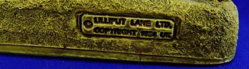 LILLIPUT LANE ANNE HATHAWAY