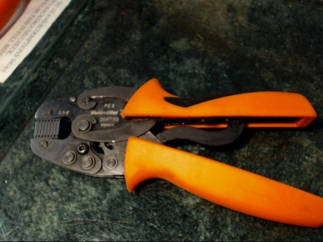 HIGH VOLTAGE INSULATED PLIER SET IN GREAT CONDITION
