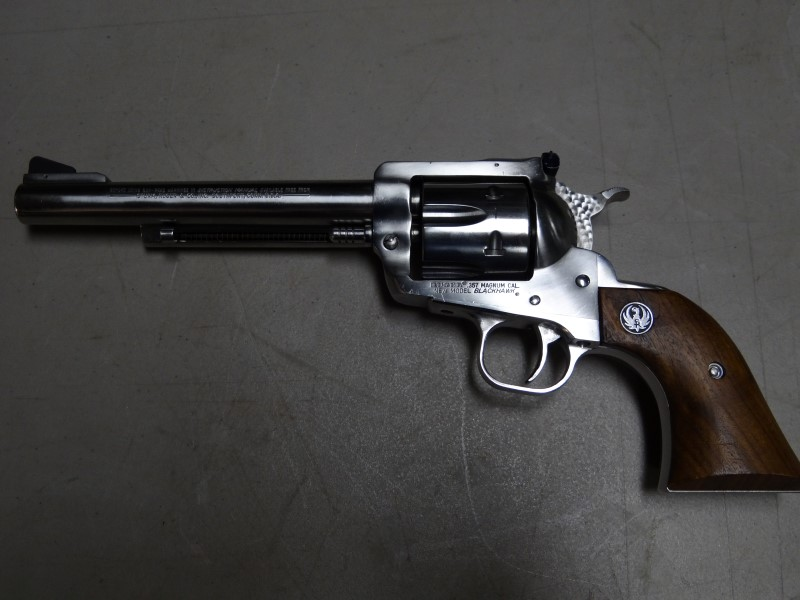 RUGER Revolver BLACKHAWK NEW MODEL