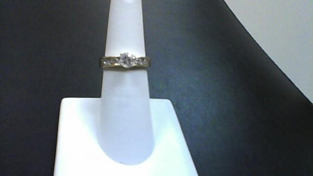 White Stone Lady's Stone Ring 10K Yellow Gold 2.9g