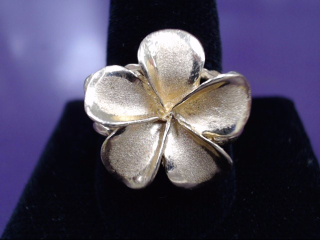 LADIES 14KT. YELLOW GOLD RING DOGWOOD FLOWER