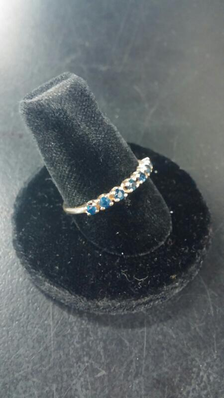 Synthetic Sapphire Lady's Stone Ring 10K Yellow Gold 0.7dwt Size:6.5