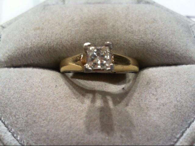 Lady's Diamond Engagement Ring .30 CT. 14K Yellow Gold 4g