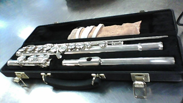 ARMSTRONG FLUTE OMEGA,CASE