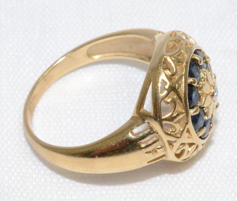 Sapphire Lady's Stone & Diamond Ring .02 CT. 10K Yellow Gold 4.5g