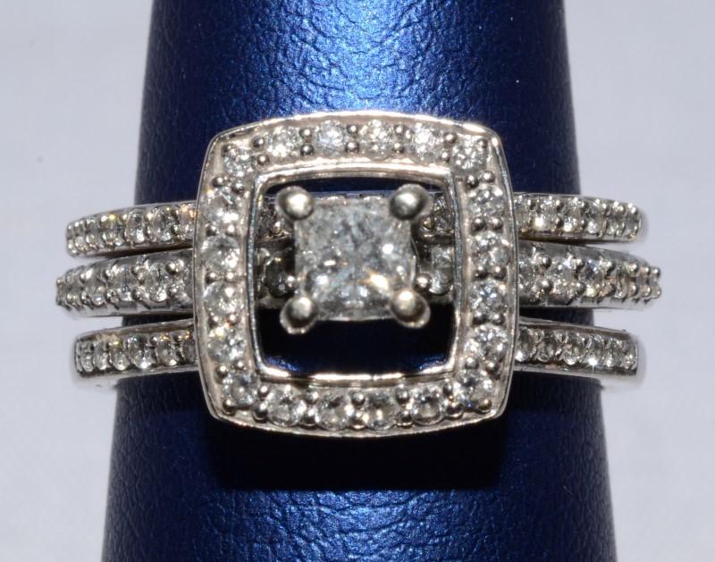 14K White Gold Princess Diamond Halo Style Engagement Wedding Ring Set sz 6