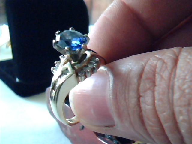 Tanzanite Lady's Stone Ring 14K Yellow Gold 5g Size:8