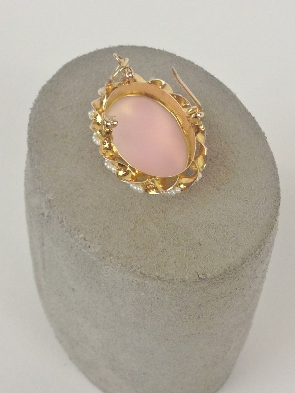 Vintage 50's Circa Cameo with Seed Pearls 14kt Pin