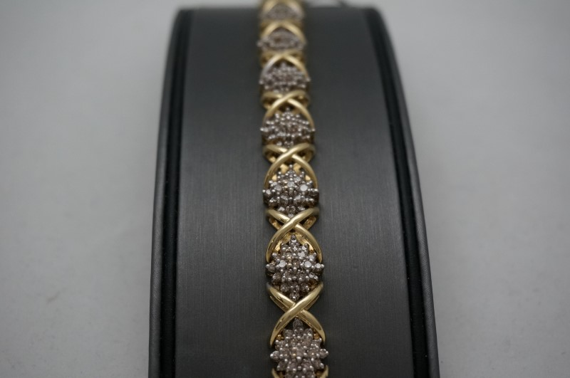 Gold-Diamond Bracelet 210 Diamonds 10.00 Carat T.W. 14K Yellow Gold 24.4dwt