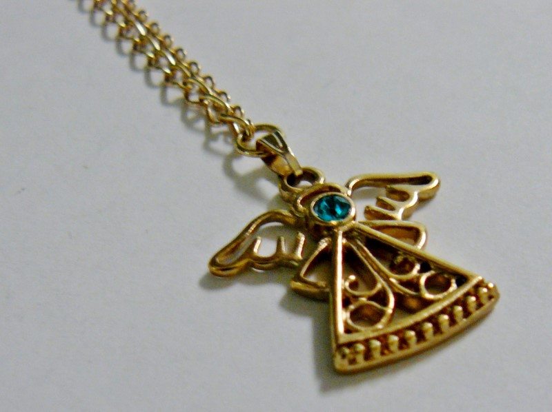ANGEL PENDANT AND CHAIN WITH TEAL BLUE TO TURQUOISE JEWEL AND MATCHING ANGEL GOL