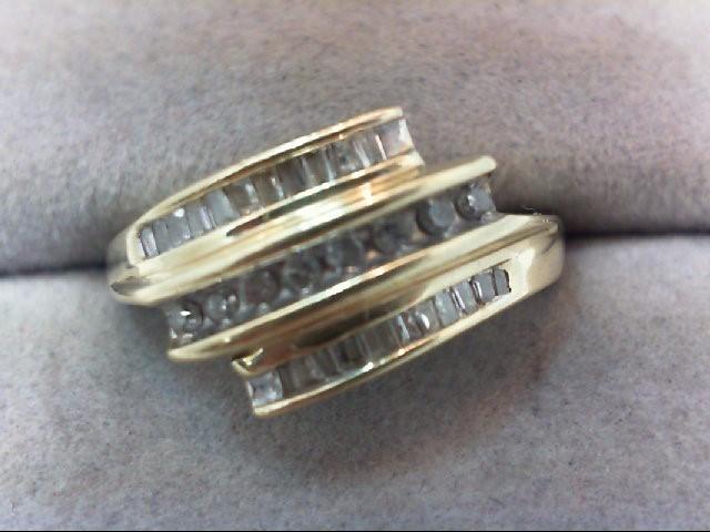Lady's Diamond Cluster Ring 32 Diamonds .32 Carat T.W. 10K Yellow Gold 2.7g