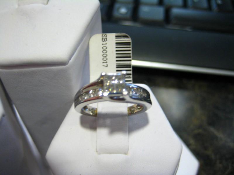 Lady's Diamond Engagement Ring 0.01 CT. 14K White Gold 3.7g