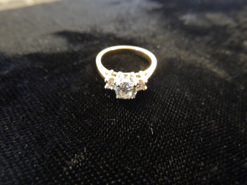 Diamond Ring 3 Round Diamonds .75 Carat Center - 1.00 Carat T.W. 14K Gold 3.5g