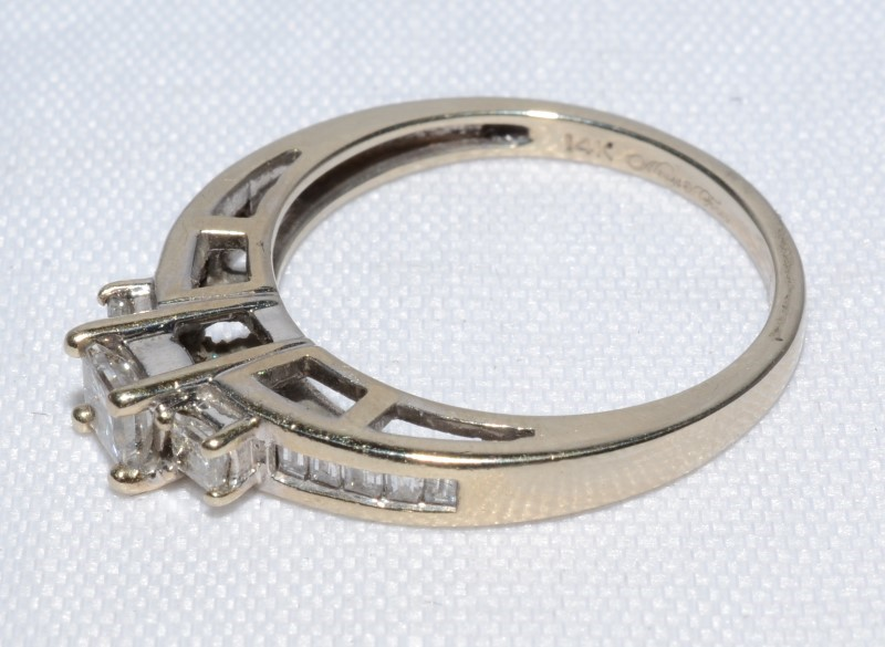 13 DIAMOND PAST PRESENT FUTURE 1.00 CARAT T.W. 14K WHITE GOLD ENGAGEMENT RING
