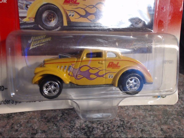 JOHNNY LIGHTNING Toy Vehicle WILLYS GASSERS BEL ENGINCE SERVICES