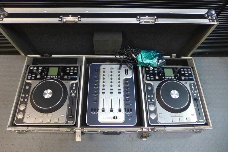 DJ Package Road Ready Case, 2 Stanton c.324, Stanton m.304
