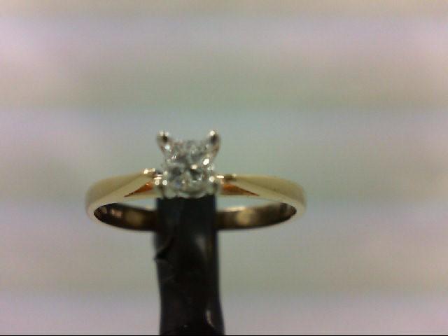 Lady's Diamond Engagement Ring 0.15 CT. 10K Yellow Gold 1.5g Size:6