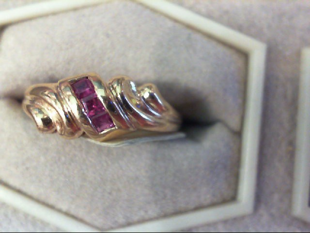 Ruby Lady's Stone Ring 10K Yellow Gold 2g