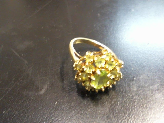 Green Stone Lady's Stone Ring 10K Yellow Gold 3.59g