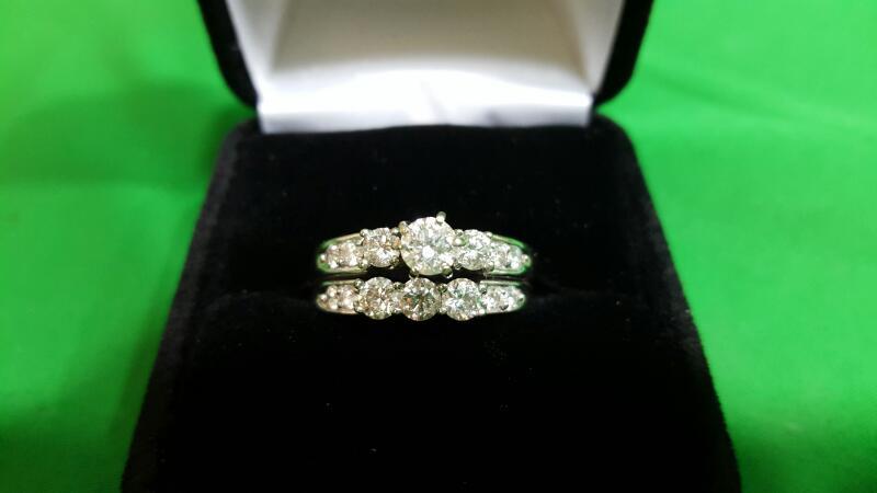 Lady's Diamond Wedding Set 14 Diamonds 1.67 Carat T.W. 14K White Gold 9g