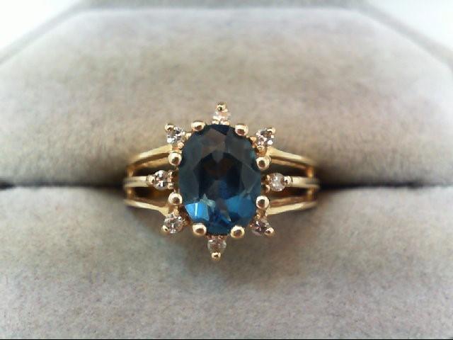 Lady's Diamond Cluster Ring 8 Diamonds .16 Carat T.W. 14K Yellow Gold 3.9g