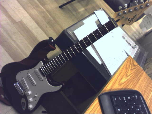 FENDER Electric Guitar SQUIRE STRAT AFFINITY