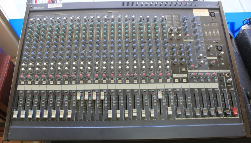 YAMAHA Mixer MG24/14FX