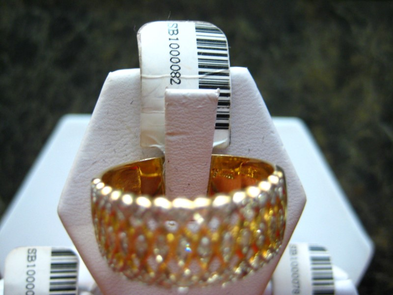 Lady's Gold-Diamond Anniversary Ring 0.01 CT. 14K Yellow Gold 5.2g