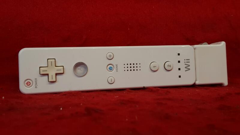 NINTENDO Video Game Accessory RVL-003 WIRELESS REMOTE