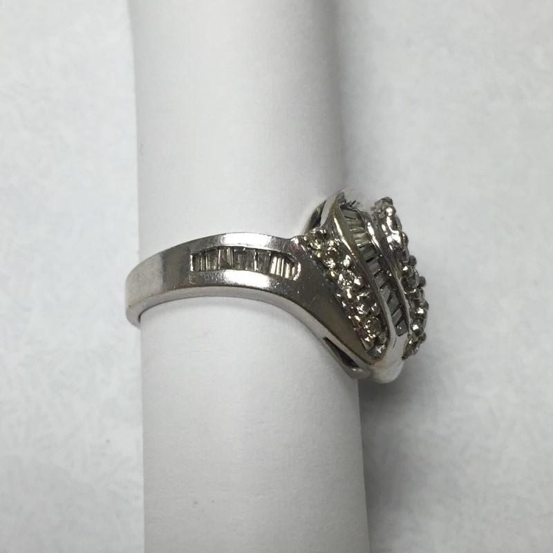 Lady's Diamond Fashion Ring 43 Diamonds .77 Carat T.W. 14K White Gold 4dwt