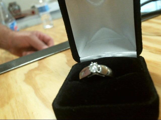 Lady's Gold Ring 14K White Gold 2.79dwt