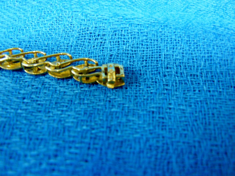 Gold-Diamond Bracelet 70 Diamonds .70 Carat T.W. 10K Yellow Gold 6dwt