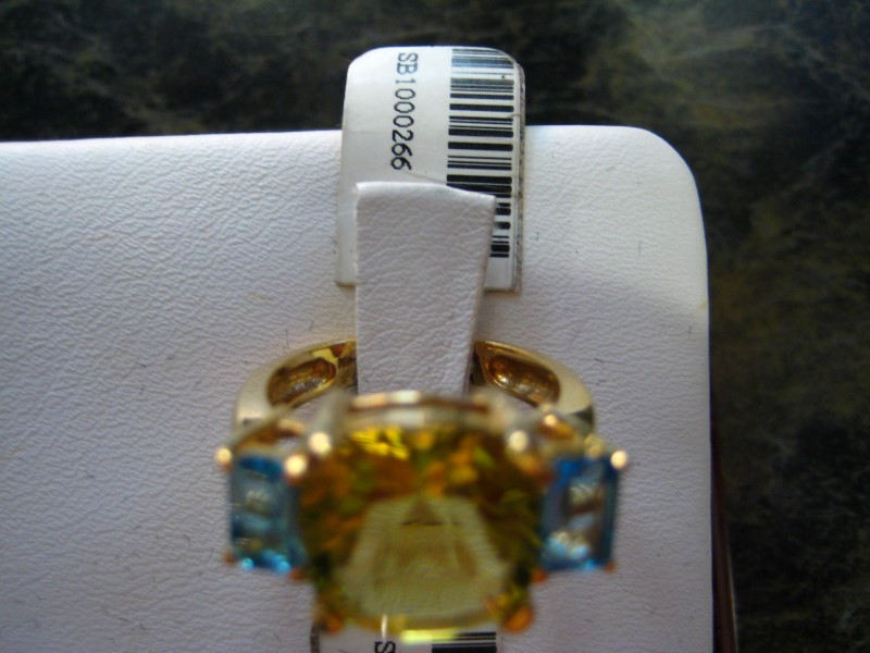 Lady's Gold Ring 18K Yellow Gold 6.7g