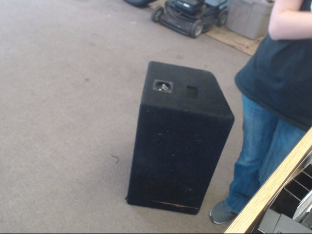 "QPOWER Speakers/Subwoofer 10"" SUB WOOFER DUAL W/PORTED BOX"