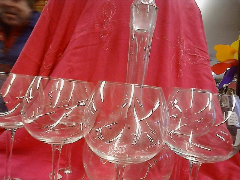 GLASSWARE AND DISHES HOUSEHOLD MISC USED MERCH MISC USED MERCH TOSCANY; 6 WINE G