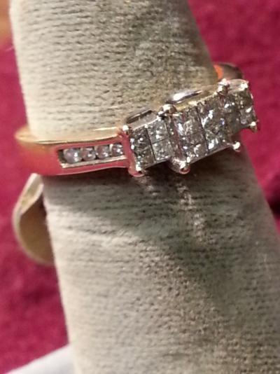Lady's Diamond Cluster Ring 20 Diamonds .56 Carat T.W. 14K Yellow Gold 2.3dwt