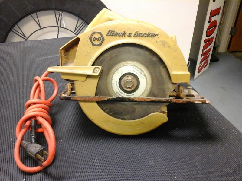 BLACK & DECKER Circular Saw 7308