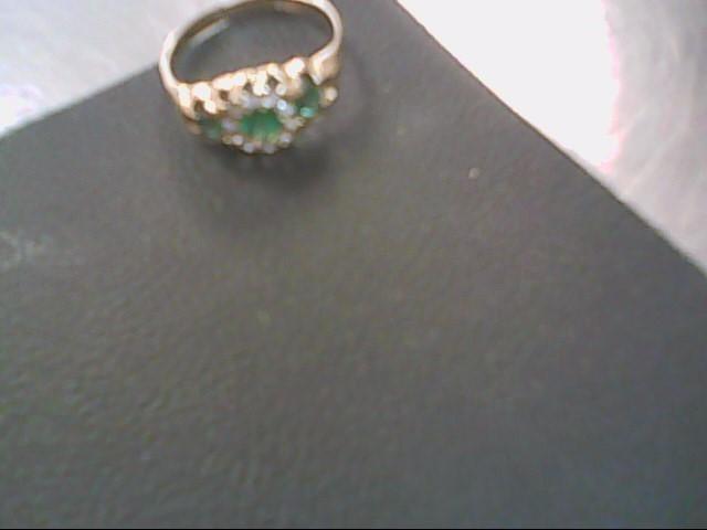 Synthetic Emerald Lady's Stone & Diamond Ring 10 Diamonds .20 Carat T.W.