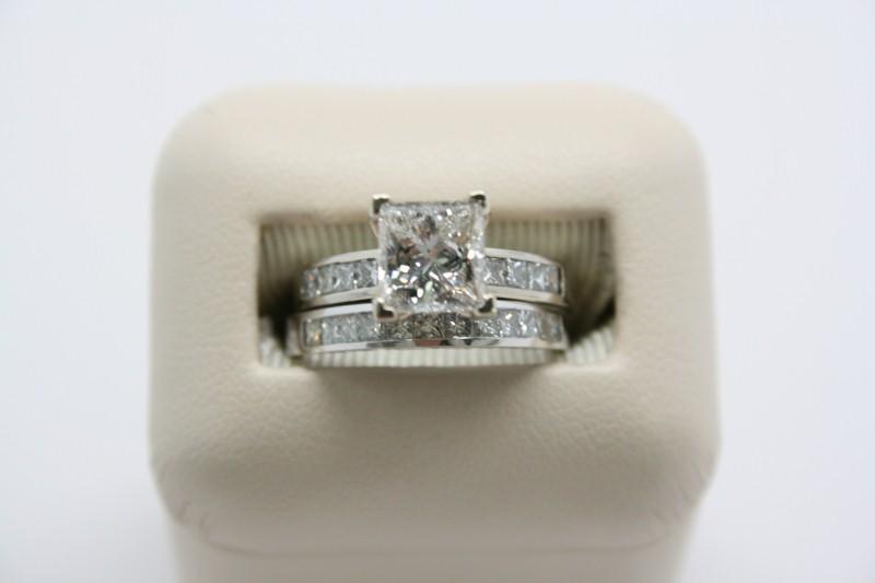 LADY'S PRINCESS CUT DIAMOND WEDDING SET 14K WHITE GOLD